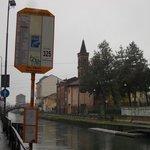 Fermata del tram (San Cristoforo proteggerà anche i tranvieri?)