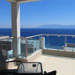 Вид с балкона номера на Эгейское море