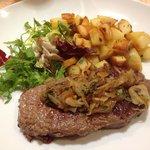 Pièce de bœuf et pommes de terre sautées