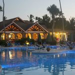 Pool und A-la-Carte-Restaurant