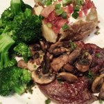 Petite sirloin with sauteed mushrooms