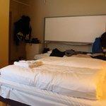 套房(有衛浴),床板可降下變成上下鋪