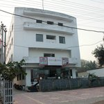 Front view of the hotel from Kanpur road