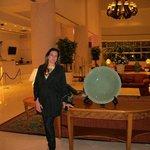 Coração do hotel, recepção, entrada para restaurante e cassino