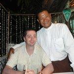 Сын и улыбчивый хозяин ресторана