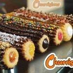 Estos son nuestros churros gourmet, bañados en chocolate belga, buenazos¡