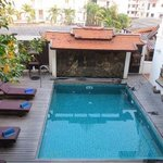 De Naga Swimming Pool