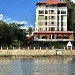 吉乃爾恒河酒店