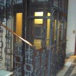 Caja de escaleras y ascensor
