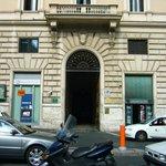 El Portal de ingreso al edificio en donde funciona el hotel
