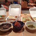cena con varios platos