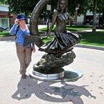 Elizabeth Montgomery Statue