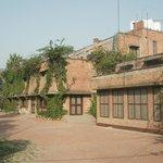 Mrs Bandari's Guesthouse (Amritsar) - front entrance