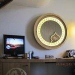 зеркало с подсветкой (в номере)