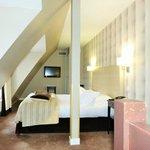Upper bedroom, 6th floor