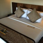 Кровать в номере 202