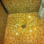 La pavimentazione della doccia 4 stelle