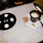 Il nostro caffè con piccola pasticceria <3