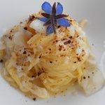 spaghettino fatto in casa con baccalà topinambur e caffè