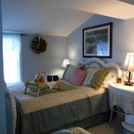 Cottage Blue/French Yellow Suite: Blue Room
