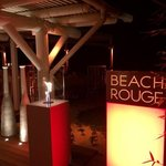 le restaurant beach rouge le soir
