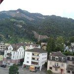 Вид из окон отеля, сторона на горы