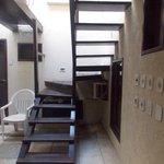 Escaleras de acceso a habitaciones