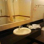 Houng Sen Deluxe - Bathroom