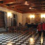 Um registro histórico: uma das salas onde acontecia a Inquisição Espanhola