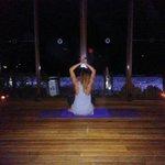 Vinyasa Yoga au coucher du soleil