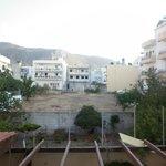 вид с балкона(теневая сторона)