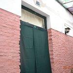 Porta da Habitação com as cortinas