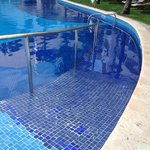 wheelchair/ disabled access to pool by building 6