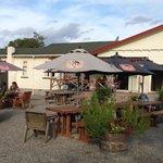 Gladstone Inn garden bar