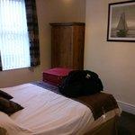 Sole bedroom, from the entrance door