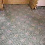 Völlig verdreckter Teppichboden