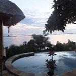 piscina de Paradise en el amanecer