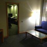 Salón y acceso a la habitación