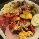 Típico primer plato del buffet