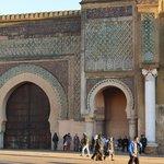 Bab Mansour Gate parte dx al cala sole