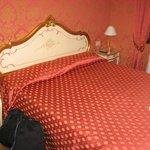 very nice room, venetian style