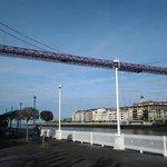 Vista del Puente Colgante desde el muelle de Portugalete.