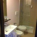Il bagno , lineare e minimal