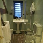 Room 6 bathroom