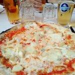 Pizza zola e pere con farina di Kamut