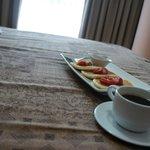Desayuno en el cuarto para empezar el día