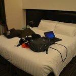cama king size en habitacion