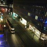 ホテルの真下を地下鉄と路面電車が走っています。とれも便利です。