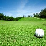 Golfen auf drei Plätzen in direkter Umgebung