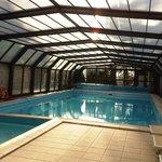 La fantastica doppia piscina riscaldata e coperta